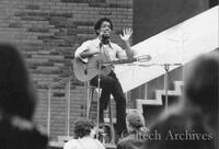 Noon concerts--Larry Mitchell