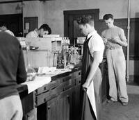 Sophomore chemistry lab at Caltech