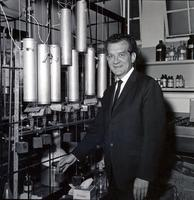 Samuel Epstein in his lab